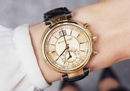 cách phân biệt đồng hồ Michael Kors