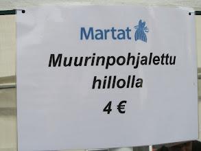 Photo: Lettujen hinta määriteltiin sopivaksi pääkaupungin varakkaille asukkaille ja kaupunkilaismetsänomistajille. Iltapäivällä hintaa oli laskettava eurolla, arvio osoittautui ylimitoitetuksi.