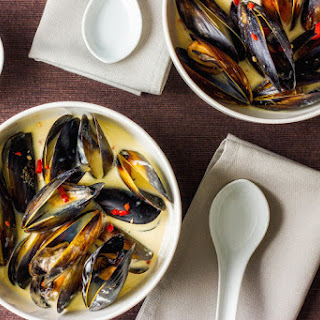Coconut And Saffron Mussels