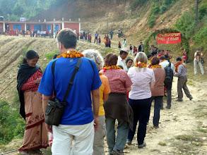 """Photo: In Irkhu steht diese von den """"Nepalkids"""" gebaute Schule."""
