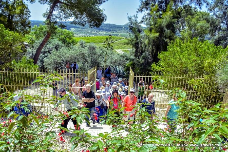 Экскурсия в монастырь Дир Рафат, Израиль. Гид в Израиле Светлана Фиалкова.