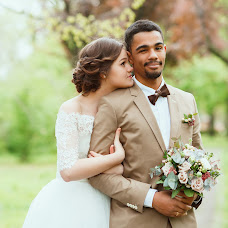 Wedding photographer Natasha Dyachkova (cockroach). Photo of 19.05.2015
