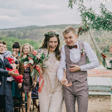 Wedding photographer Mariya Komarova (Marika90). Photo of 19.12.2017