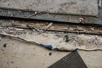 Photo: So sieht unsachgemässige Elektroverlegung vom Vorbesitzer aus :-(