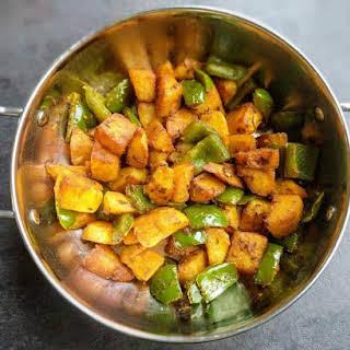 Aloo Capsicum Recipe (Stir Fried Potato & Capsicum).