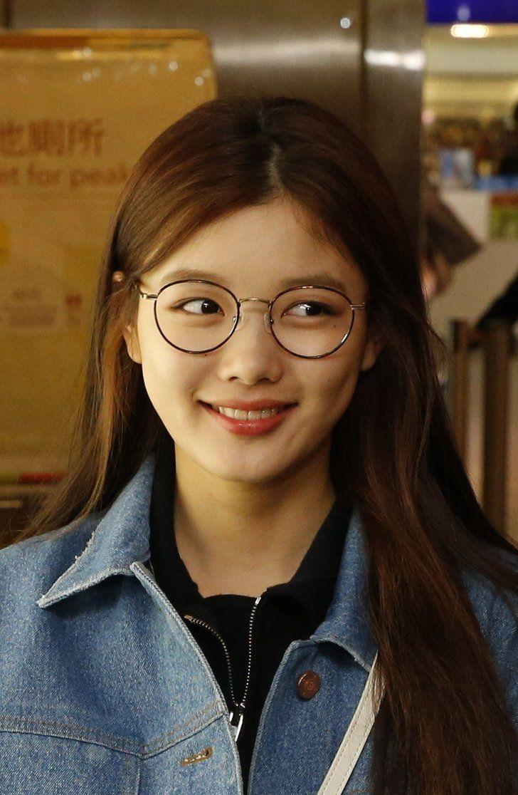 glassesgirls_3