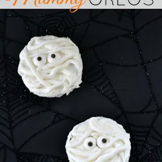 Mummy Oreos - Simple and Spooky Halloween Treats