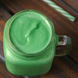 Healthy Shamrock Shake (Sugar-Free, Diabetic-Friendly).