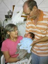 Photo: No sítio, com os avós Nadir e Manfredo.