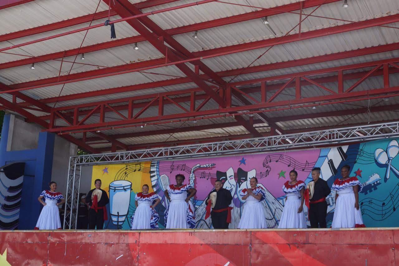 Imagen ESTUDIANTES DEL CAI VILMA CURLING PARTICIPARON EN EL FESTIVAL ESTUDIANTIL DE LAS ARTES