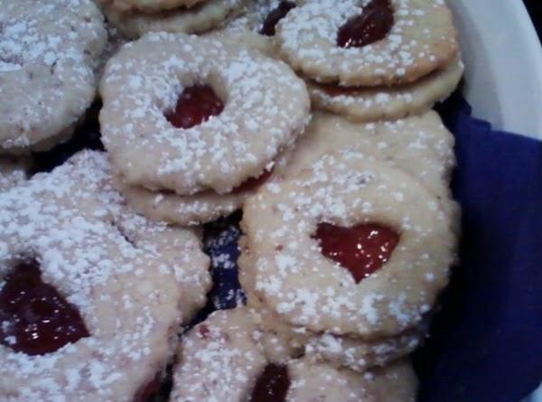 Strawberry Almond Linzer Sandwich Cookies Recipe