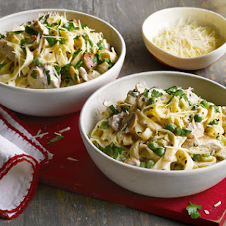 Lemony Chicken, Mushroom And Pea Pasta.