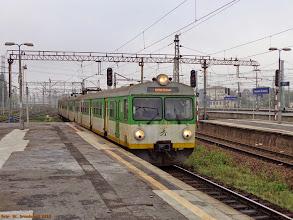 Photo: EN57-1930 (KM), Warszawa Zachodnia - Pilawa {Warszawa Zachodnia; 2013-09-28}