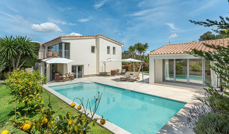 Villa avec piscine en bord de mer Santa Ponça
