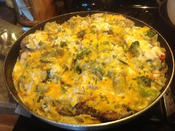 BOWTIE PASTA SKILLET W/ CHICKEN & ASSORTED VEGGIES