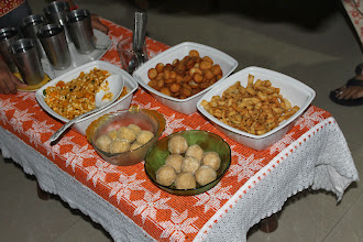 Photo: Diwali treats at my sister-in-law's house. Clockwise from Shakarpara (round biscuits); Matari (salty Namkeen), two different Laddu cooked by her husband; Chewda. Surely, every snack was delicious! 5th December updated -http://jp.asksiddhi.in/daily_detail.php?id=383