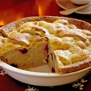 Blackberry and Pear Pie