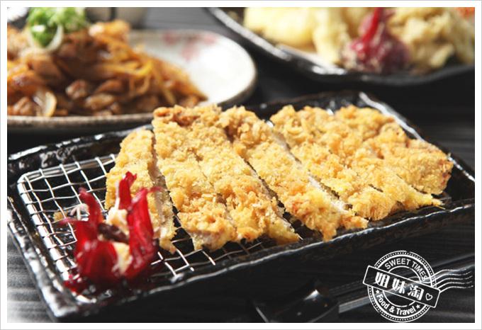 秋本堂食事處日式炸豬排