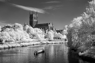 Photo: Worcester Cathedral and River Severn (Clive Haynes)