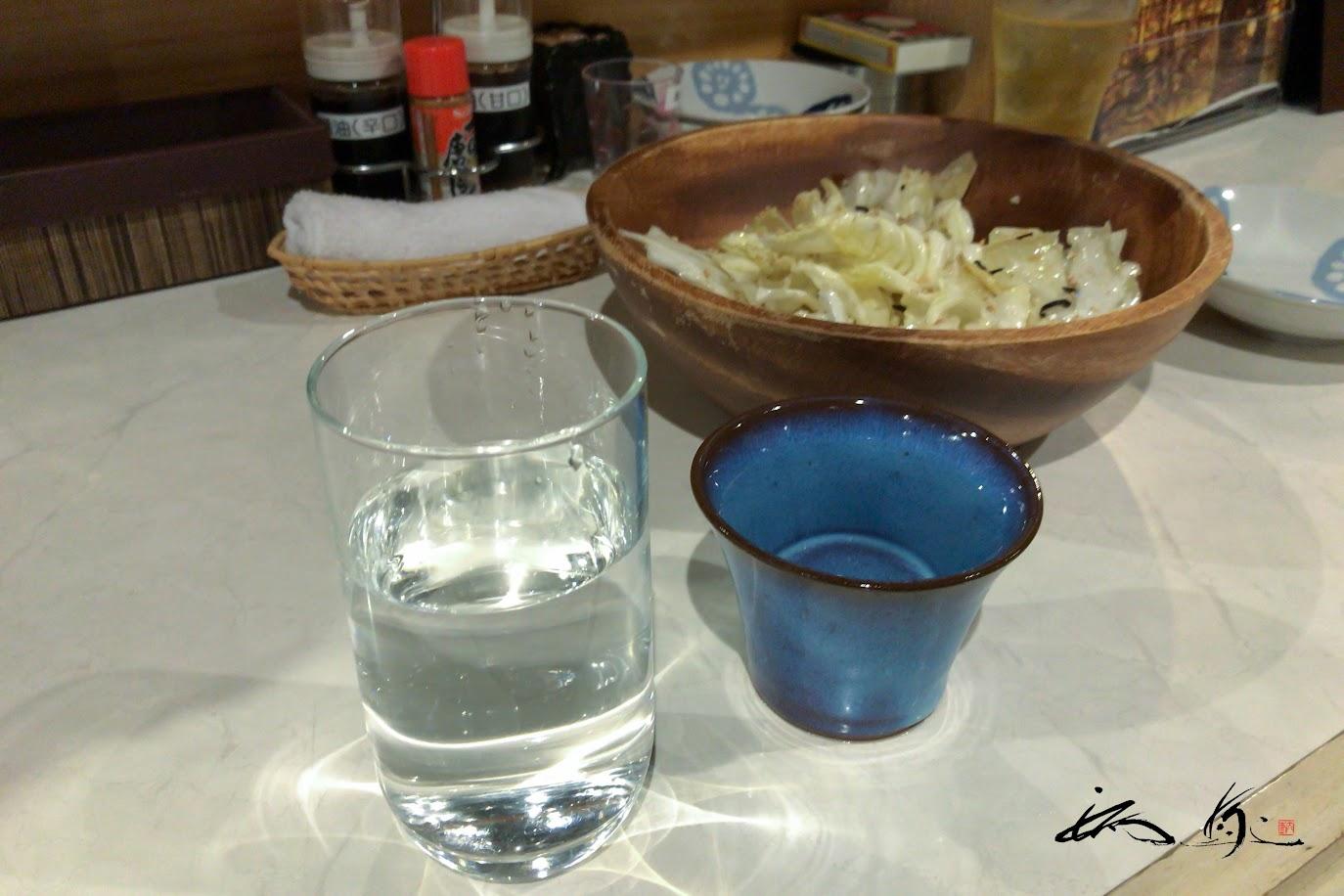 うま塩キャベツを日本酒とともに。。。