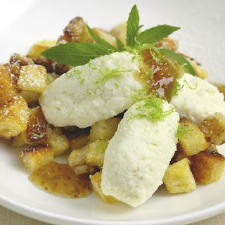 Caramelized Bread with Fig and Ricotta.