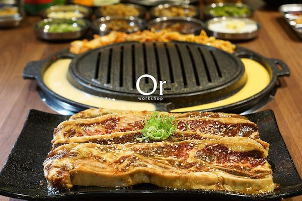 Woosan韓式烤肉 | 忠孝敦化-首創越式水春捲包烤肉,烤肉套餐, 秘醬牛小排粉嫩色澤垂涎誘人