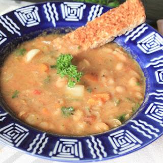 Simple Veggie Bean Soup