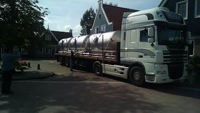 Photo: Transport van materiaal voor installatie Huisman Dalfsen