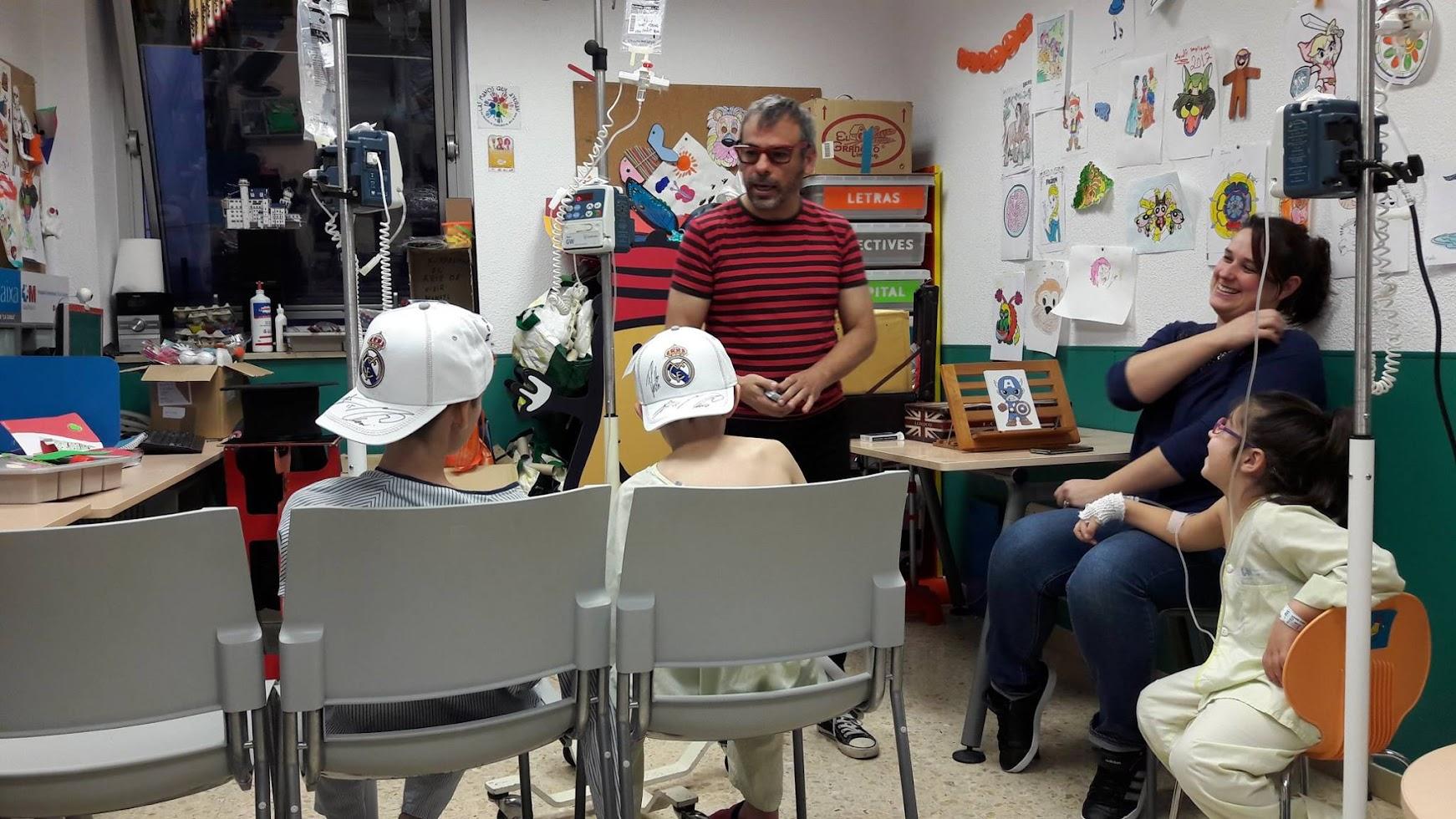 mago madrid magia solidaria en Hospital 12 Octubre Oncología niños