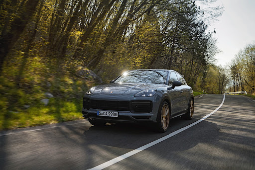 Porsche delivers a record 153,656 new vehicles in the first half of 2021