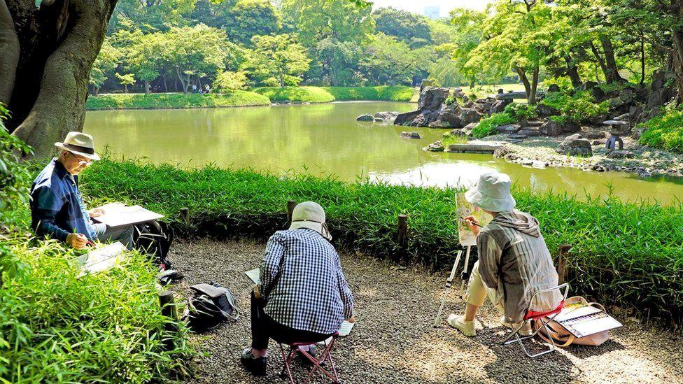 В среднем японец доживает до 83 лет - это один из самых высоких показателей в мире