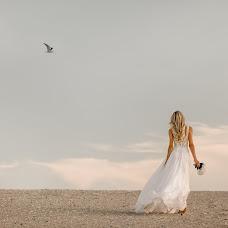 Wedding photographer Galina Nabatnikova (Nabat). Photo of 18.06.2017