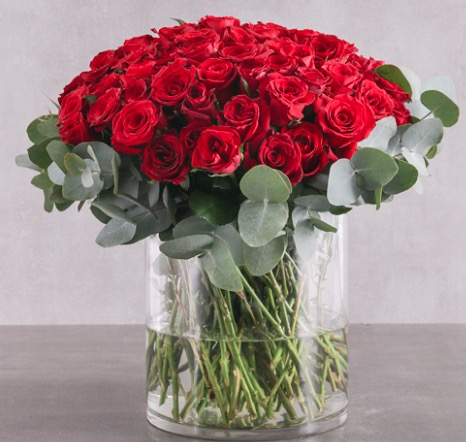 Get Out The Guap This Luxury Bouquet Of Valentines Day Roses