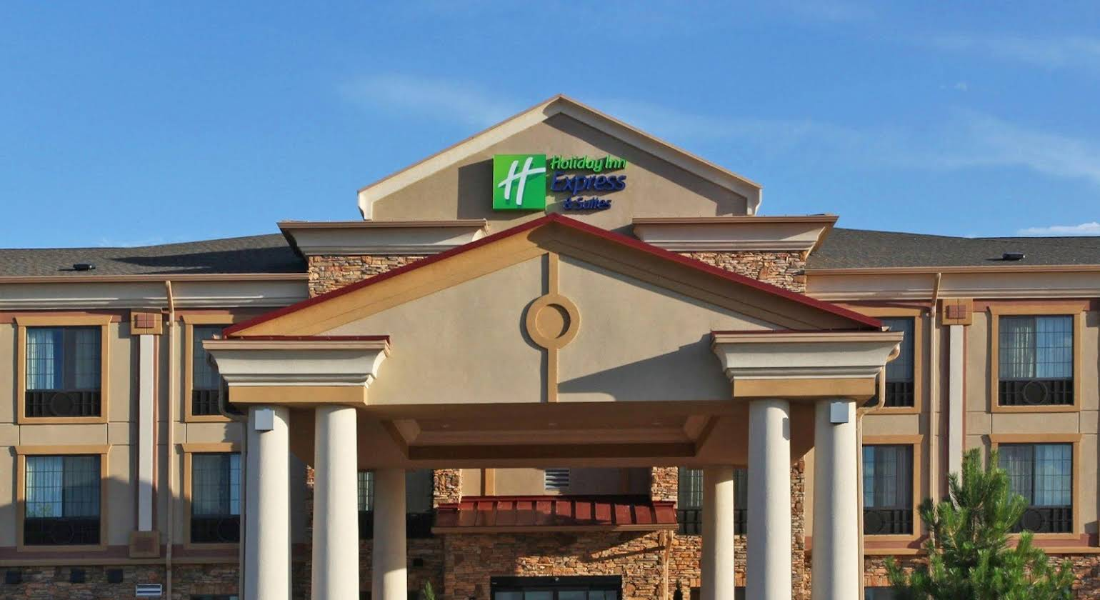 Holiday Inn Express Hotel & Suites Longmont