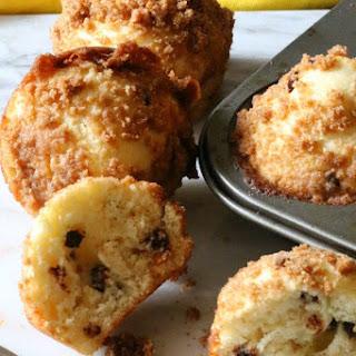 Mini Chocolate Chip Streusel Muffins