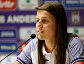 Laura De Neve is eerste 'Profvoetbalster van het Jaar'