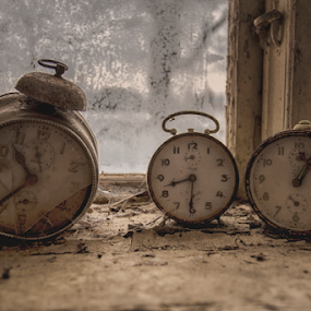 Once up on a time by Buffan Walter - Artistic Objects Other Objects ( broken, beautifuldecay, urbex, rurex, clock, clocks, rural, outoftime, abandoned, decay,  )