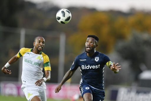 10-man Sundowns drop points as Wits maintain lead