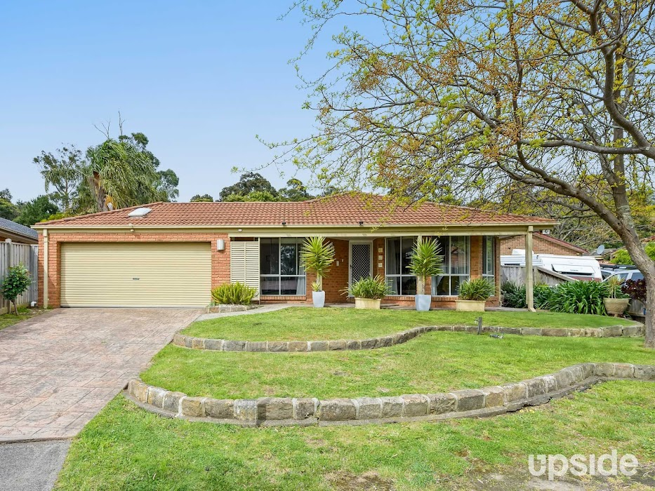 Main photo of property at 27 Fig Court, Cranbourne North 3977