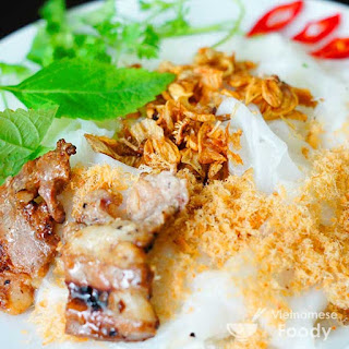 Vietnamese Steamed Rice Rolls (Banh Cuon).