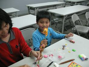 Photo: 20110420傳統童玩快樂學-捏麵人 002