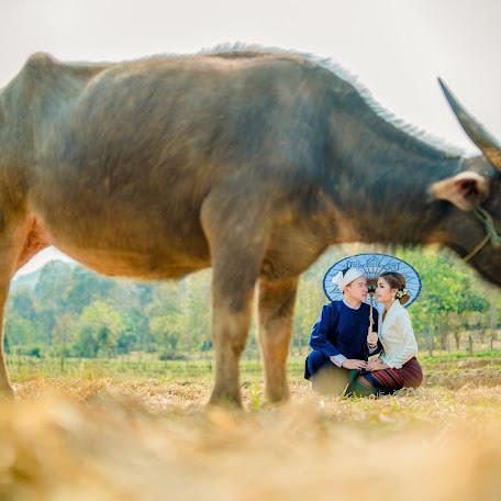 Wedding photographer Nakharin Arunpattharawanit (kolinstudio). Photo of 06.06.2018