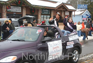 Photo: Miss Nisswa Sammy Mraz and Little Miss Nisswa Sophia Winter waved to  the crowd during the parade last Saturday - photo by Joanne Boblett