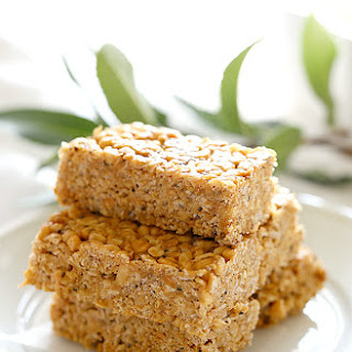 Chewy 5-Ingredient No Bake Peanut Butter Bars Recipe