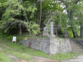 守屋神社(左が登山道か)