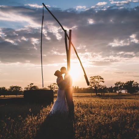 Wedding photographer Barnabás Bóna (bonabarna). Photo of 20.08.2017