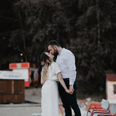Wedding photographer Asya Molochkova (emptyredhead). Photo of 30.08.2018