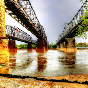 3 Bridges over the Mississippi River in Downtown Memphis by Billy Morris - Buildings & Architecture Bridges & Suspended Structures ( water, memphis, railroad, tennessee, frisco, scenic view, bridge, landscape )