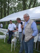 Photo: Opening van de keuringsdag door voorzitter Bas van der Linden.
