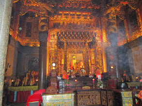 Photo: 臺灣美麗的百年廟文化藝術 The beautiful cultural art in Taiwan Temples of hundred years old  The Art Market in Taipei city of Taiwan   The metropolitan area of Taipei City has a population of 7,028,583 people ranking the 40th most-populous urban area in the world.  As of 2007, the metro region of Taipei has a nominal GDP of around US$260 billion, a record that would rank it 13th among world cities by GDP. Taiwan is now a creditor economy, holding one of the world's largest foreign exchange reserves of over US$403 billion as of December 2012.  The National Palace Museum in Taipei is a great art museum built around a permanent collection centered on ancient Chinese artifacts. It should not be confused with the Palace Museum in Beijing; both institutions trace their origins to the same Forbidden City in Beijing where the Palace of Emperor is located and stored with million pieces of valuable collections by the consecutive Emperors of Qing dynasty. The collections were divided in the 1940s as a result of the Chinese Civil War. The National Palace Museum in Taipei now boasts of a truly international collection while housing one of the world's largest collections of artifacts from ancient China.  Along with the cultural education and influence from the nearby National Palace Museum in Taipei, hiking prices and excellent investment returns of art have aroused huge interests of the citizens in Taipei who have been used to be living in a house costs commonly from US$ 1 million to 3 million or so for decades. The art is expensive; but the house is much more expensive than the art.  There are over 1,000 shops dealing art business in Taipei and some of them are opened only on Saturdays and Sundays for just two working days per week. Few buyers in Taipei are buying their art collections from international auctioneers and ranking among the top 500 collectors in the world. Most of local citizen-buyers in Taipei are just like million-of-ants and purchase their art goods from local shops 